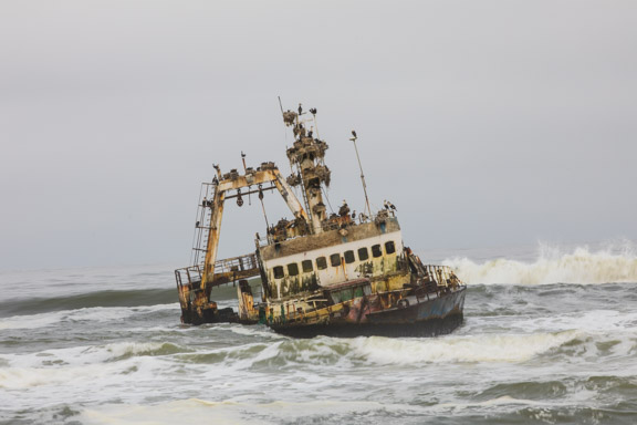 Namibia-skeleton-coast-shipwreck-1