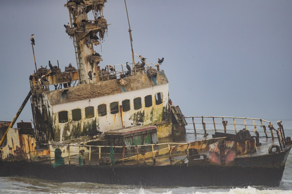 Namibia-skeleton-coast-shipwreck-2