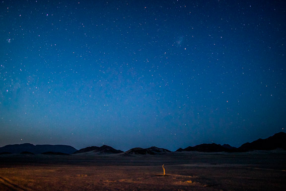 Namibia-sossusvlei-hotel-le-mirage-stars-blue-sky